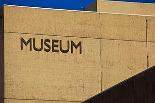 Converting museum members to donors